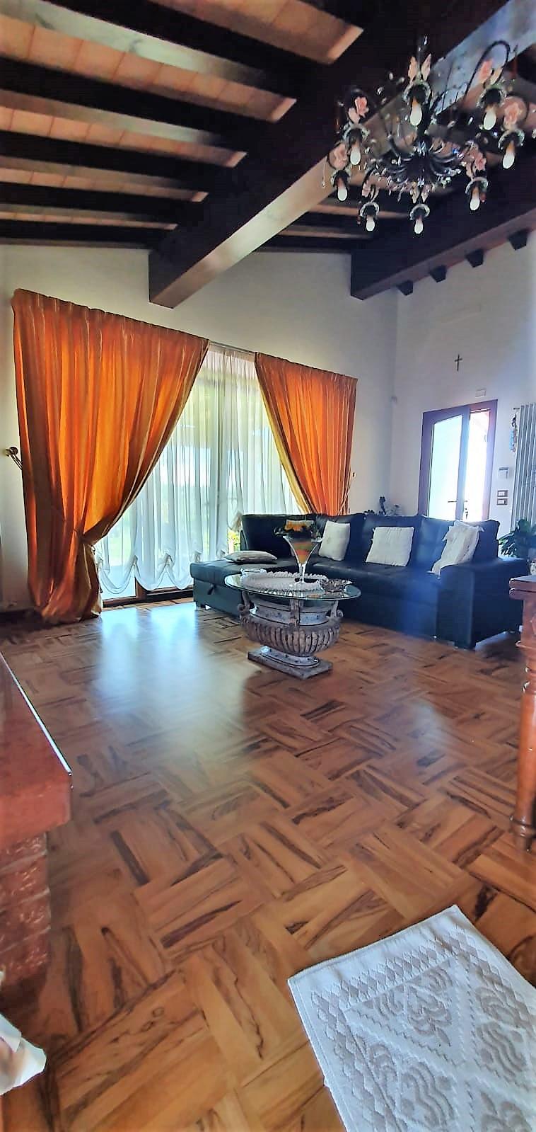 AVAGLIO,PISTOIA,51100,2 Bedrooms Bedrooms,2 BathroomsBathrooms,Villa,AVAGLIO,1501